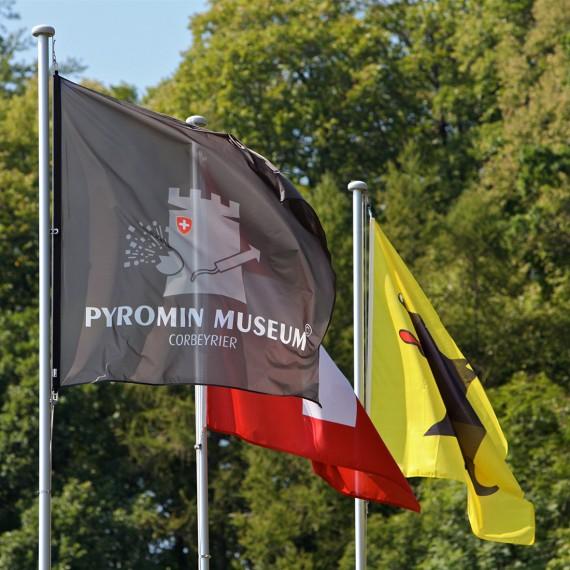 Pyromin_museum_drapeau_2011